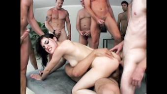 Дикое групповое порно с Сашей Грей